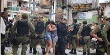 Immagine Far West al bar, 11 morti: «Tutti colpiti alla testa»