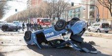 Immagine L'auto della Juve primavera  si schianta contro la volante