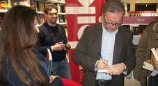 Vico Equense, Diego De Silva presenta alle Axidie il libro «Superficie»