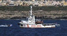 Open Arms, Toninelli: «Pronti a portare noi i migranti in Spagna»