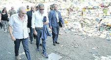 Costa, bordate a De Luca: «Troppi ritardi sui rifiuti»