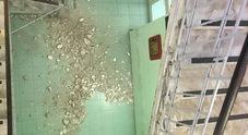 Napoli: piovono calcinacci in due scuole, scatta l'allarme sicurezza
