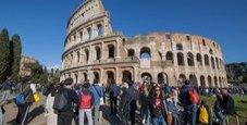 Immagine Paura al Colosseo, fermto uomo col coltello