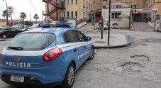 Napoli, lite stradale sfocia nel sangue: 31enne ferito a colpi di pistola in via Acton