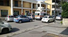Campania, rapina con l'accetta alle poste: ferito il direttore, ladro in fuga