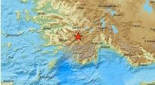 Terremoto in Turchia, violenta scossa avvertita fino in Grecia: almeno tre feriti