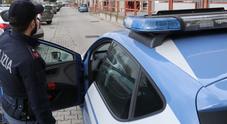 Ponticelli, guardia giurata rapinata della pistola: la polizia indaga