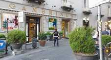 Flop differenziata, stangata ai bar del salotto buono di Napoli: multato anche il Gambrinus