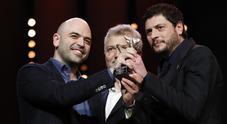 Berlino premia «La paranza dei bambini» Saviano: dedicato alle Ong Mediterraneo