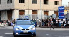 Auto caduta dal ponte del traghetto a Napoli: a guidarla era un agente di polizia. Ecco come è avvenuto l'incidente