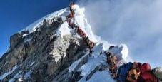 Immagine C'è troppa folla sull'Everest,  sette morti in una settimana