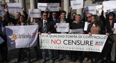 «Giù le mani dall'informazione», giornalisti campani in piazza contro Di Maio
