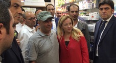Giorgia Meloni al Vasto: «Il sindaco non ha dato solidarietà a un suo cittadino»