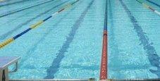 Immagine Filma e fotografa i bimbi  nella piscina del campus