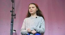 Greta Thunberg senza treccine durante il discorso sul clima a Londra