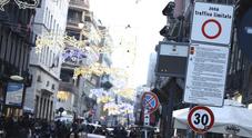 Napoli, addio auto ai Decumani: arrivano otto telecamere per stanare i furbetti