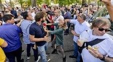 Filippo Roma (Le Iene): «Attivisti M5S volevano linciarmi, salvo grazie ai poliziotti»