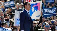 Usa, Castro rompe gli indugi e si candida alla presidenza: è l'incubo di Trump