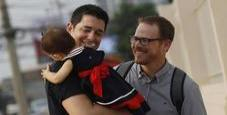 Immagine Coppie gay, non illegittimo il divieto alla procreazione