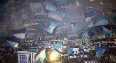 Napoli, tentata aggressione ai tifosi dello Zurigo: lacrimogeni e caos