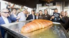 Guinness dei primati a Napoli: ecco la sfogliatella più grande del mondo