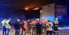 Immagine Maxi-incendi in Sardegna, in fuga dal resort di lusso