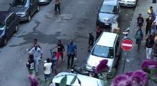 Napoli, ferragosto ad alta tensione al Vasto: scoppia mega rissa a via Palermo