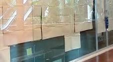 Capri, guerra alle vetrine oscurate: multe alle boutique di via Camerelle