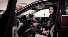 Arabia Saudita, fine del divieto: da oggi anche le donne possono guidare