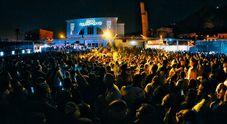 Napoli, lite sulla pista da ballo sfocia nel sangue: 20enne accoltellato al petto