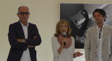 Capri, inaugurata la mostra fotografica «La Liquidità del Movimento»