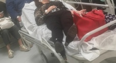 Napoli, lo scandalo ospedali: mancano lenzuola e mascherine