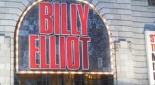 Billy Elliot, il musical sospeso a teatro: «Fa propaganda gay e corrompe i giovanissimi»