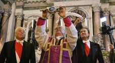 Napoli, San Gennaro compie il miracolo di dicembre: sangue sciolto alle 10.11