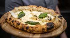 """Nasce la pizza """"Quattro Latti"""" campana, con latte di bufala, vacca, capra e pecora"""