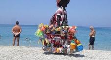 Stop vandali e abusivi, da Ischia a Sorrento parte «spiagge sicure»