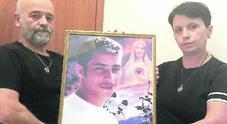 «L'assassino di nostro figlio Luigi è stato già scarcerato e vive vicino a noi»