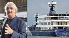 Briatore indagato per corruzione. «Favori per riavere il suo yacht Force Blue»