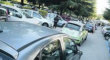 Ogni giorno 97 minuti in auto: una vita che si perde nel traffico di Napoli
