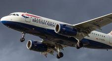Terrore ad alta quota sul volo Napoli-Londra: problemi tecnici e atterraggio d'emergenza