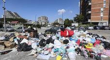 Crisi rifiuti in Campania, De Luca ai Comuni: cercate siti di stoccaggio provvisori