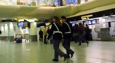 Terrorismo, espulso pakistano: bloccato all'aeroporto di Napoli