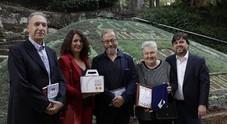 Scrittrice misteriosa vince il primo premio: «Non vi dico chi sono, ma datelo in beneficenza all'orchestra dei Quartieri spagnoli»