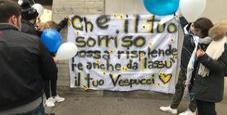 Immagine Palloncini e striscioni per l'addio a Federico