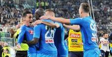 Immagine Crolla il soffitto durante Juve-Napoli: feriti