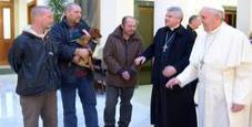 Immagine Papa Bergoglio regala tremila gelati ai clochard
