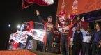La Toyota Hilux di Al-Attiyah assistito dal copilota francese Matthieu Baumel festeggiano la vittoria alla Dakar 2019