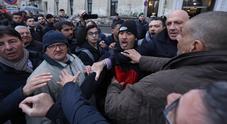 Il governo a Caserta tra le tensioni: Salvini contestato in piazza
