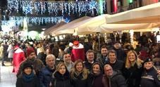 «Illumina la vita, guida sicuro»: luci e installazioni a Chiaia per sensibilizzare i giovani