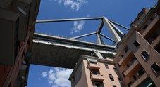 Genova, la prima ipotesi sulla causa del crollo: «Così è collassato il ponte Morandi»
